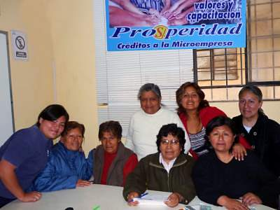 Por Una Vida Digna Group in Peru