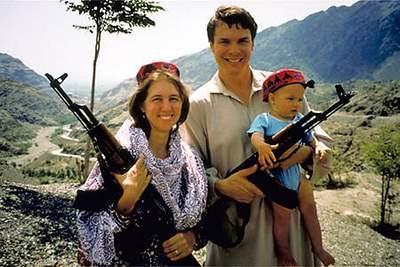 Greg Mortenson with AK47